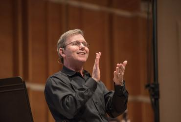 Conductor Rob Kapilow